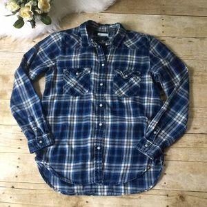 AEO Boyfriend Fit Blue Plaid Button Up Size Small